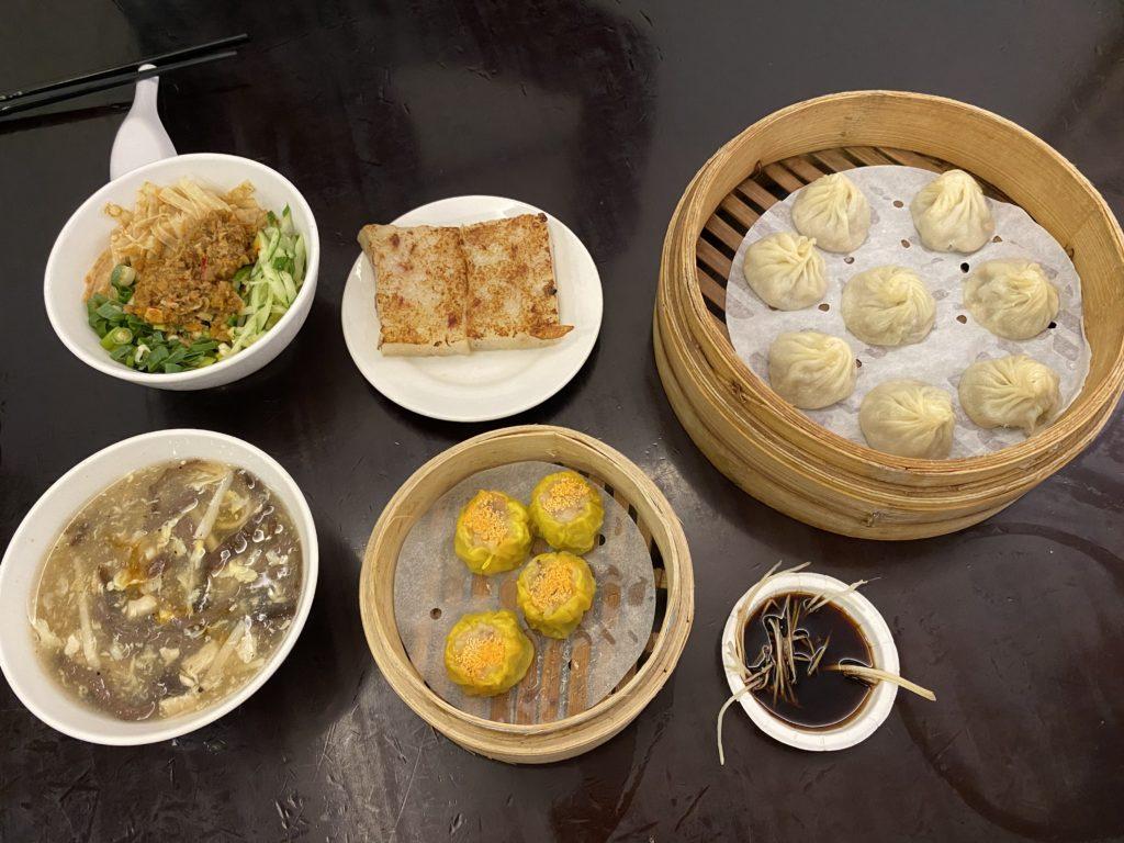 杭州小籠湯包での食事